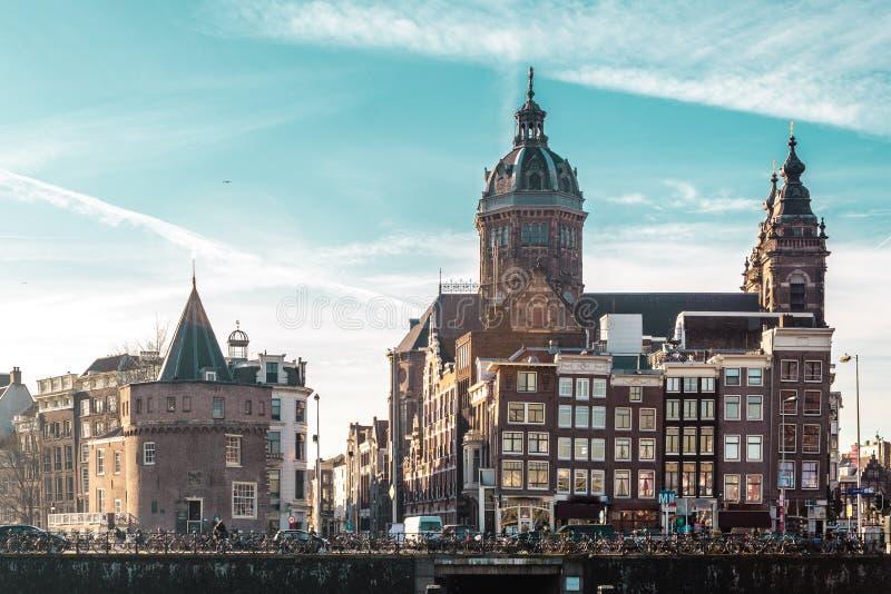 大厦和街道在阿姆斯特丹,荷兰 库存照片