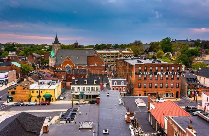 大厦和街道看法从一个停车库在兰卡斯特 免版税库存图片