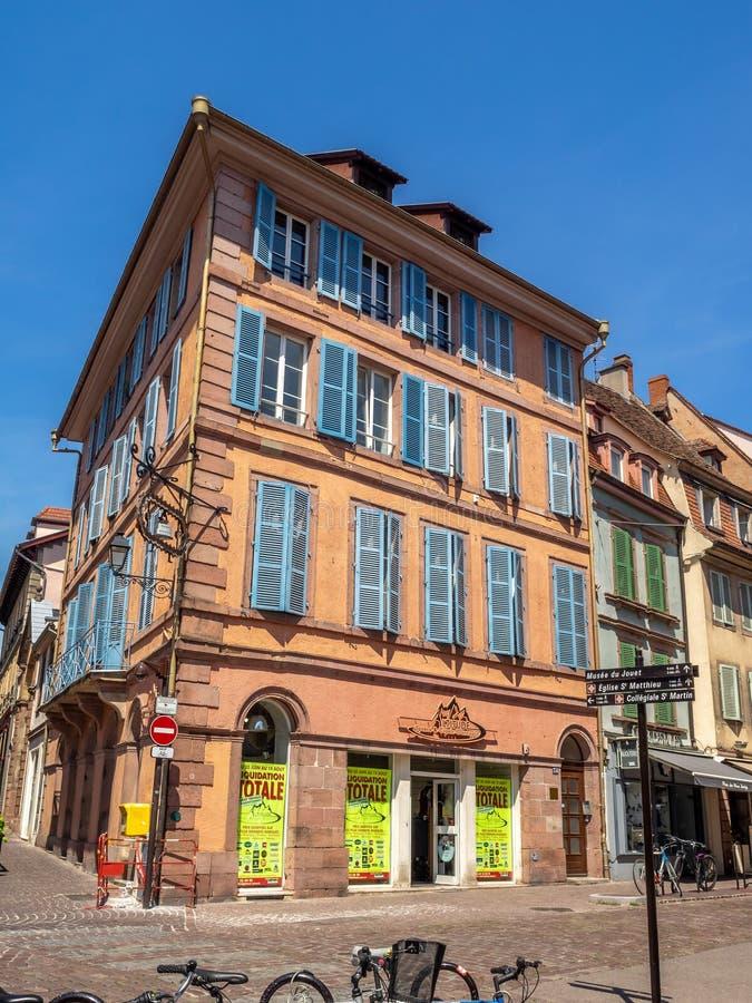 大厦在中世纪科尔马的心脏 免版税库存图片