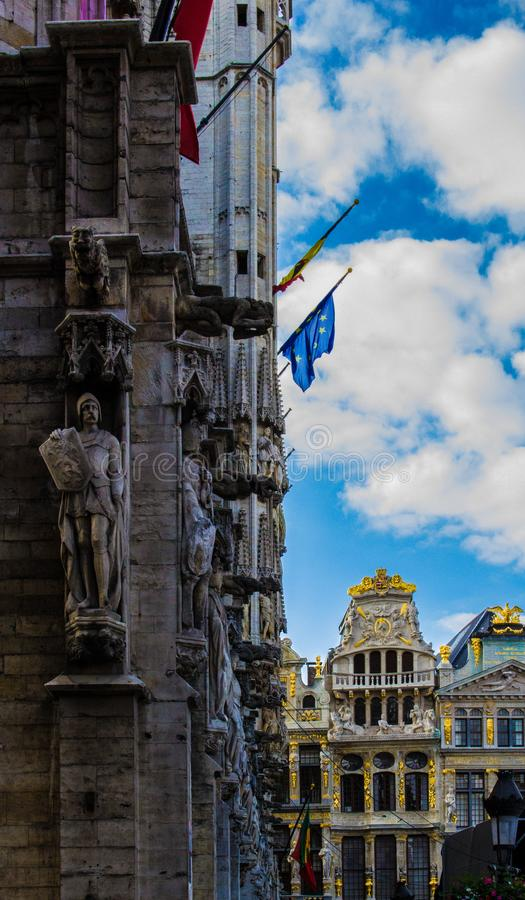 大厦在布鲁塞尔广场 免版税库存照片