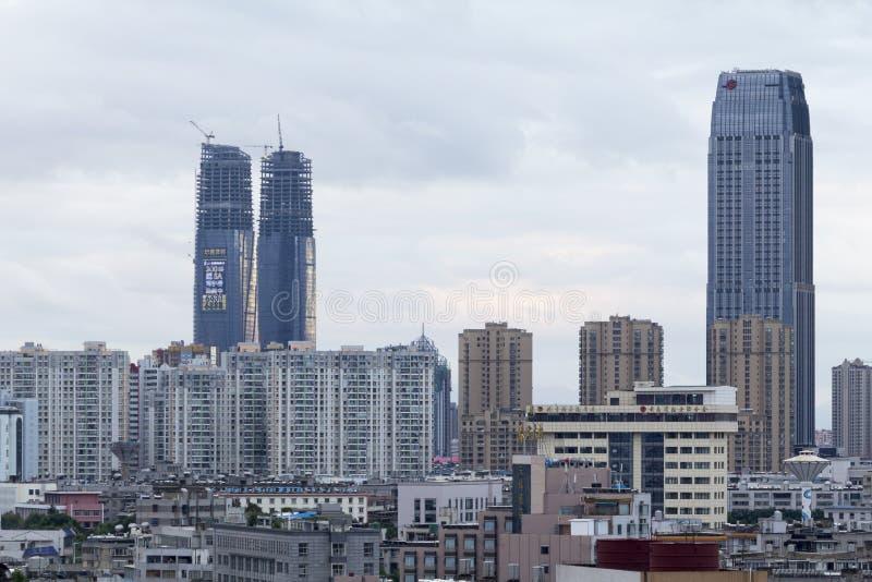 大厦在街市昆明,中国 免版税库存照片