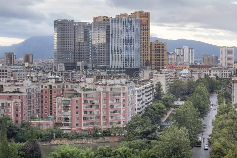 大厦在街市昆明,中国 库存照片