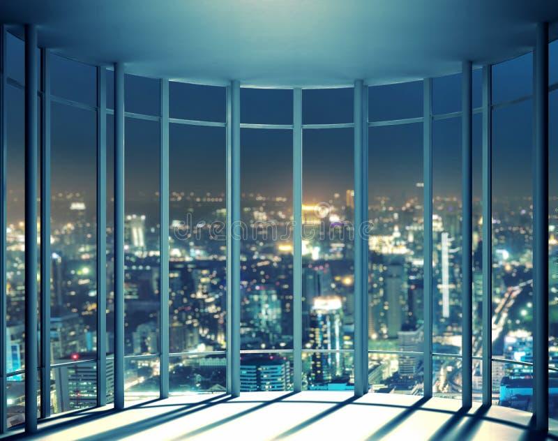 大厦夜视图从高层窗口的 库存照片
