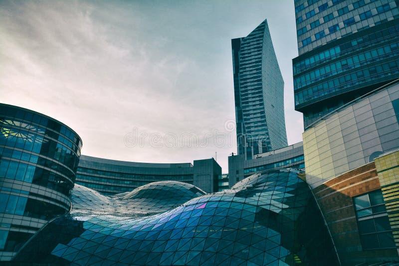 大厦建筑学关闭在华沙 免版税图库摄影