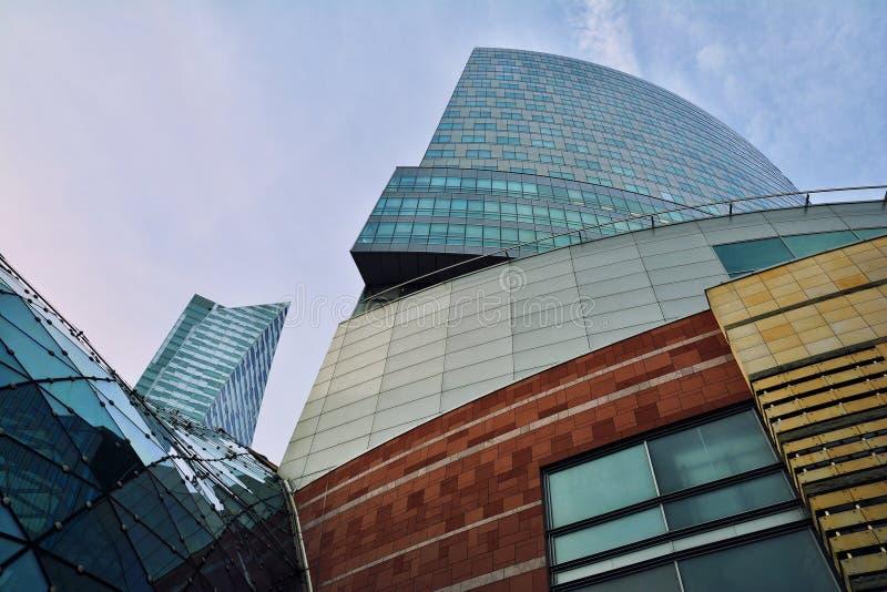大厦建筑学关闭在华沙 免版税库存照片