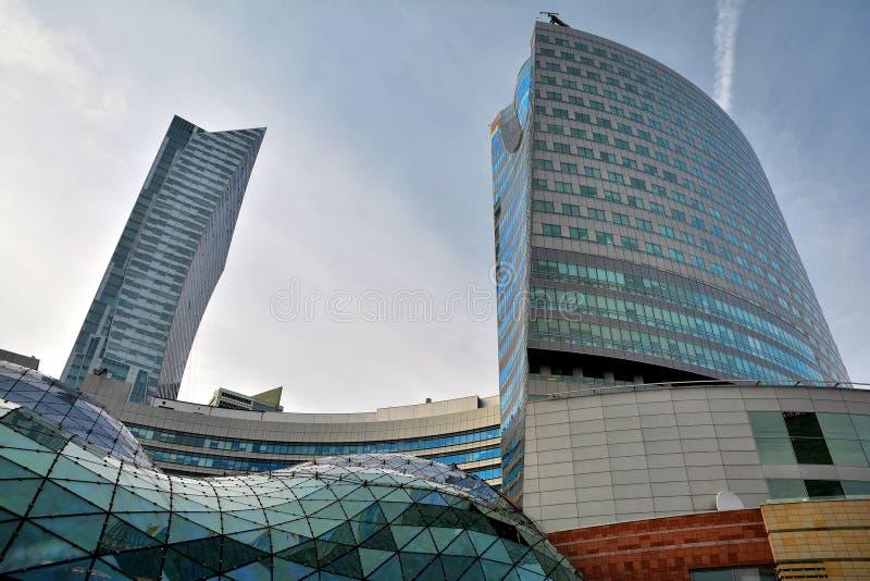 大厦建筑学关闭在华沙 免版税库存图片