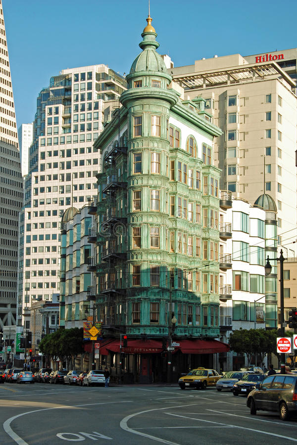 大厦弗朗西斯科・圣维多利亚女王时&# 免版税库存照片