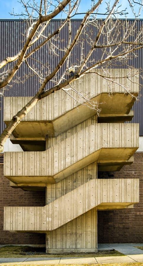 大厦楼梯 免版税库存照片