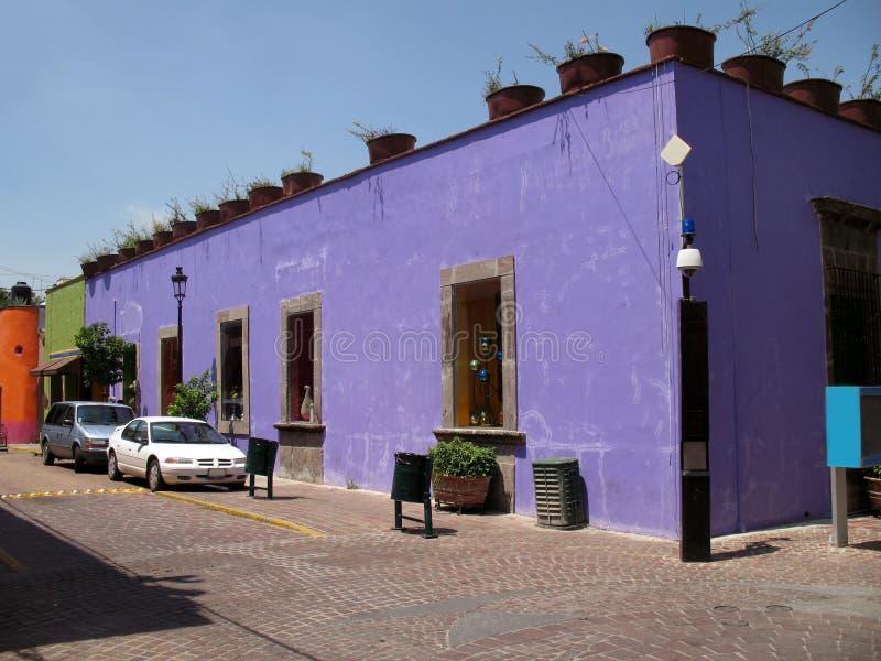 大厦瓜达拉哈拉紫色 免版税库存图片