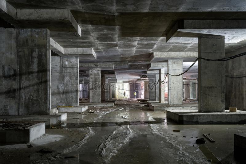 大厦的地下水平的具体建筑 库存照片