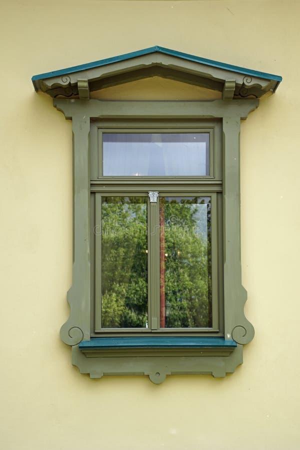 大厦的Achitecture细节 ?? 在玻璃镜框的反射 免版税图库摄影