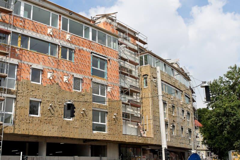 大厦绝缘材料新的住宅壳 免版税图库摄影