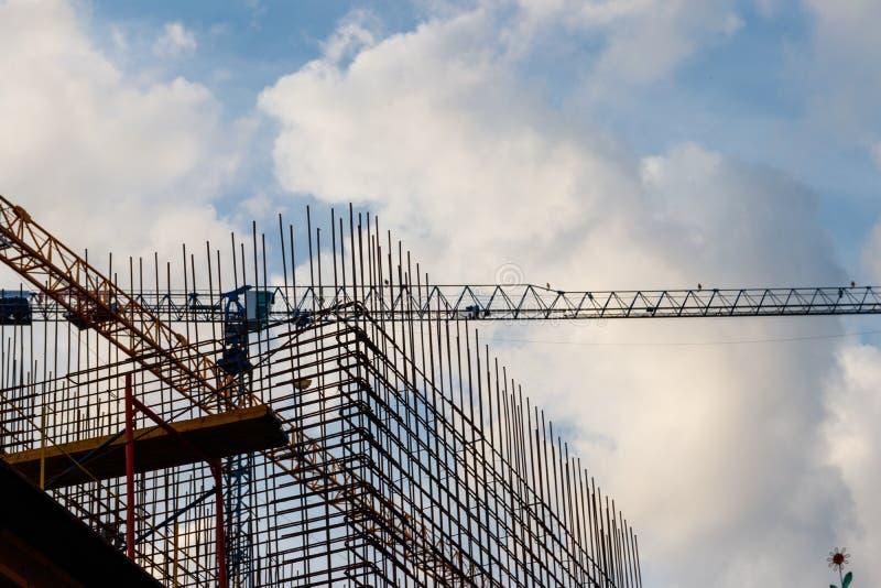 大厦钢框架建设中 免版税库存图片