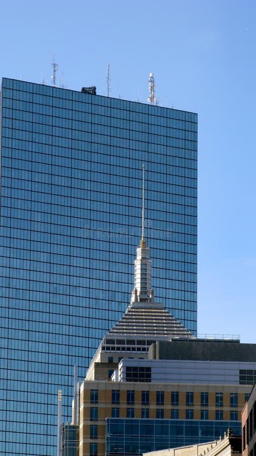 大厦高现代上升 免版税库存照片