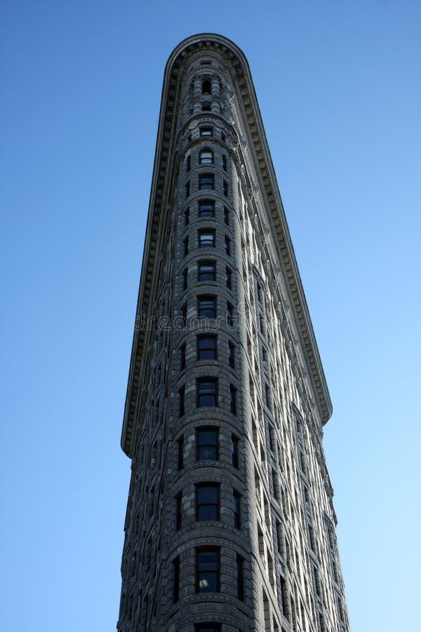 Download 大厦flatiron 图库摄影片. 图片 包括有 曼哈顿, 拱道, 发光, 平衡, 增长, flatiron - 15680667