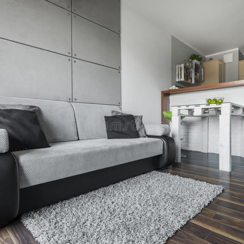 大和舒适沙发 免版税库存图片