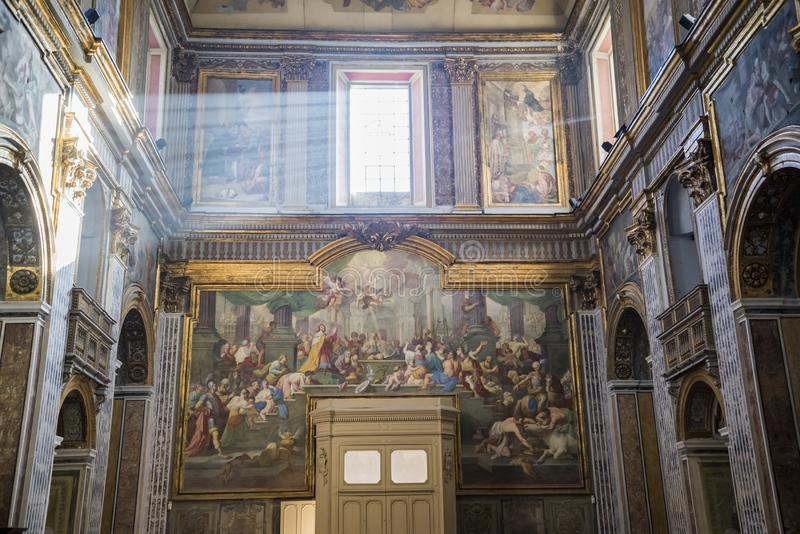 大圣保禄教堂大教堂内部在那不勒斯,意大利 库存图片