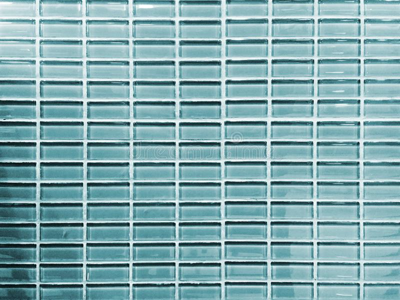 大块玻璃墙壁和照明设备的样式 库存图片
