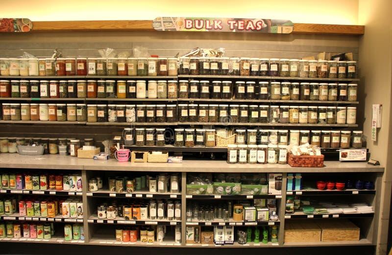 大块茶在超级市场 库存照片