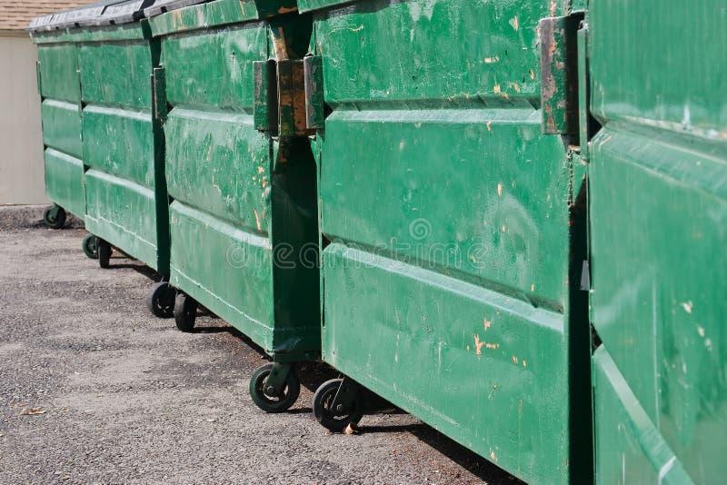 大型垃圾桶垃圾 免版税库存图片