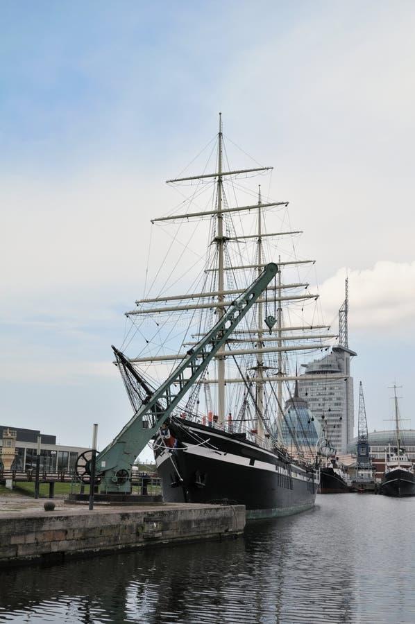 大型驱逐舰旧港口 库存照片