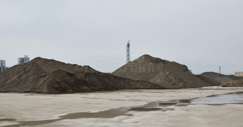 大堆建筑沙子和石渣 图库摄影