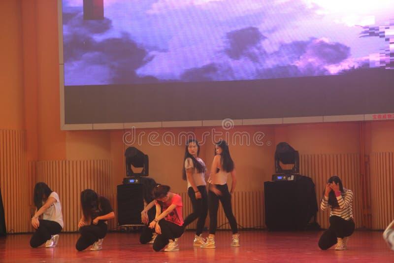 大学生的舞蹈大学党的在深圳 库存照片