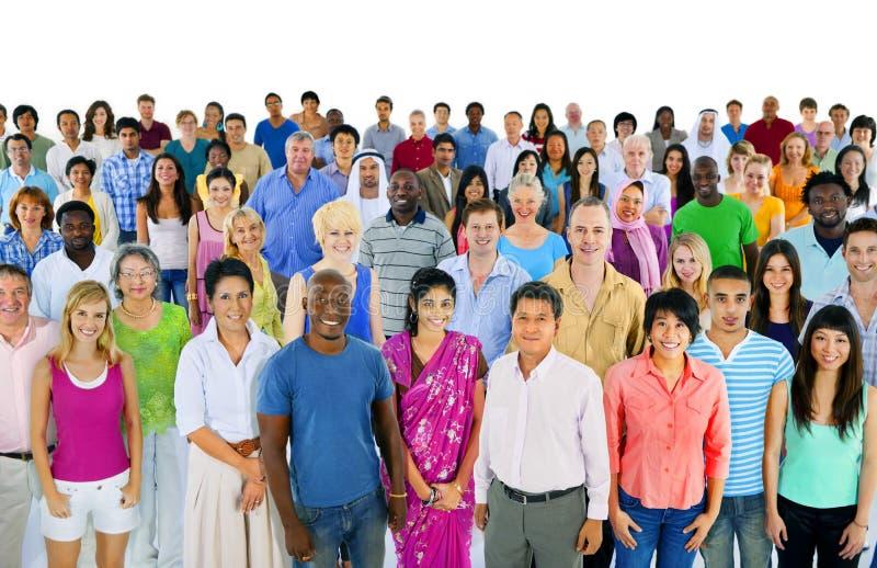 大小组不同种族的世界人民 免版税库存图片