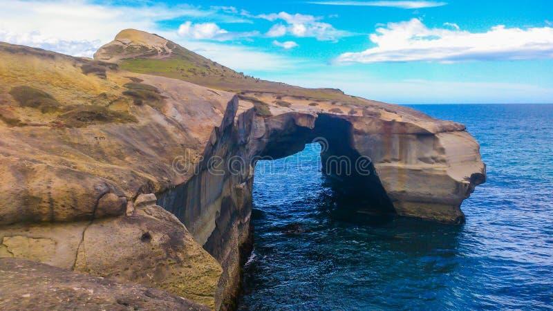 大岩石在新西兰 免版税库存照片