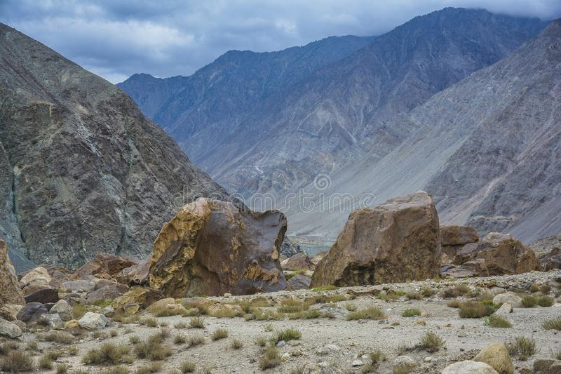 大岩石-喀喇昆仑山脉山脉 图库摄影