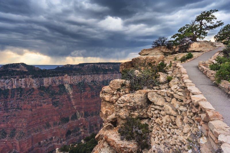 大峡谷北外缘从皇家的盖帽的和Walhalla俯视亚利桑那美国 图库摄影