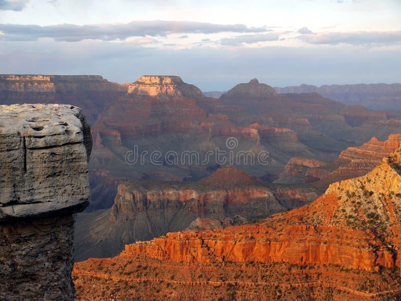 大峡谷日落-红色岩石-美国美国 免版税库存图片
