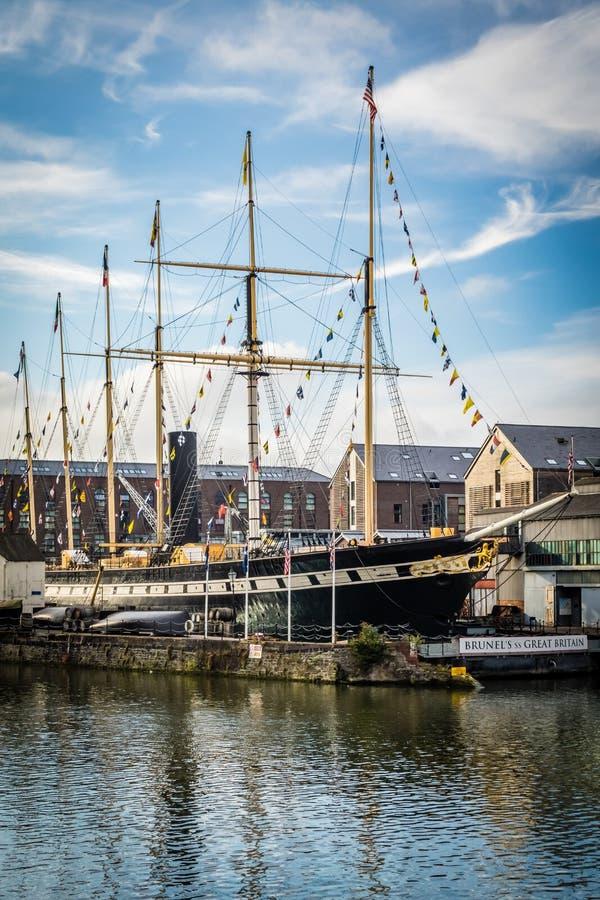 Download 大帆船在布里斯托尔港口 编辑类照片. 图片 包括有 码头, 风帆, 绳索, 风船, 英语, 的麻醉师, 重婚 - 59101856