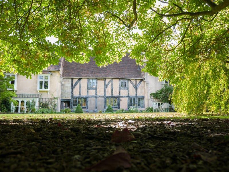 大师的房子的庭院Leycester阁下医院的 免版税库存照片