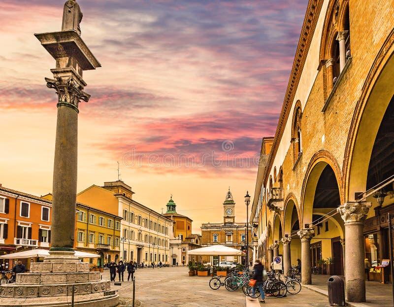 大广场在拉韦纳在意大利 库存照片