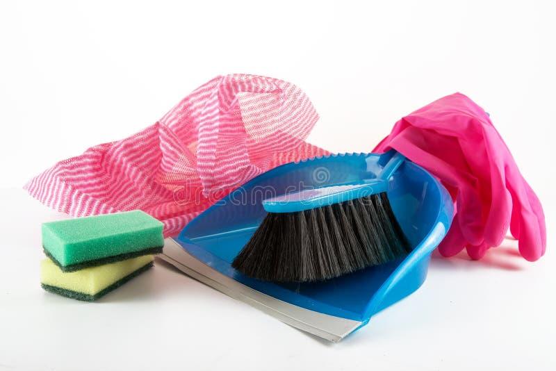 大扫除、簸箕和手bru的家庭器物 免版税库存照片