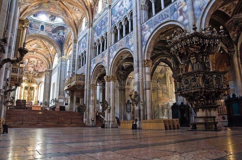 大教堂一点红内部意大利帕尔马romagna 库存照片