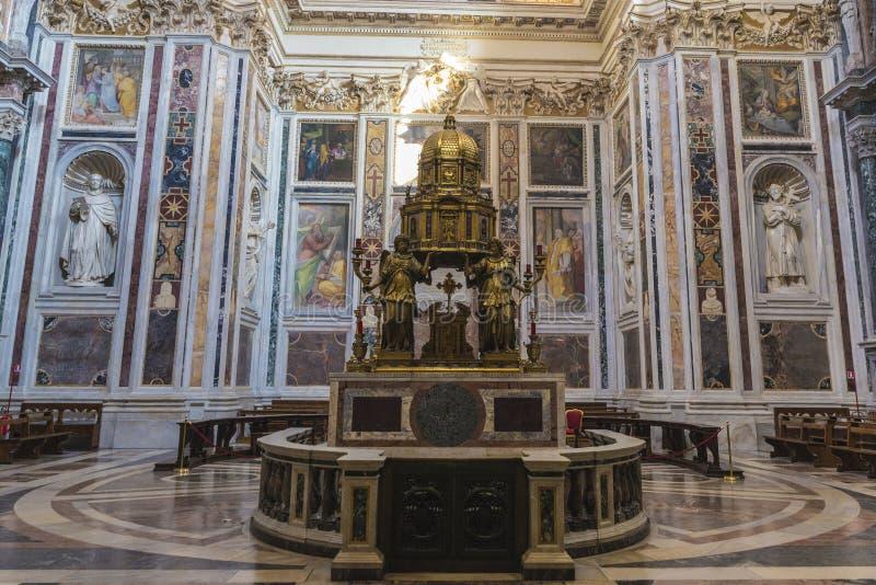 大教堂二圣玛丽亚Maggiore的内部在罗马,意大利 免版税库存照片