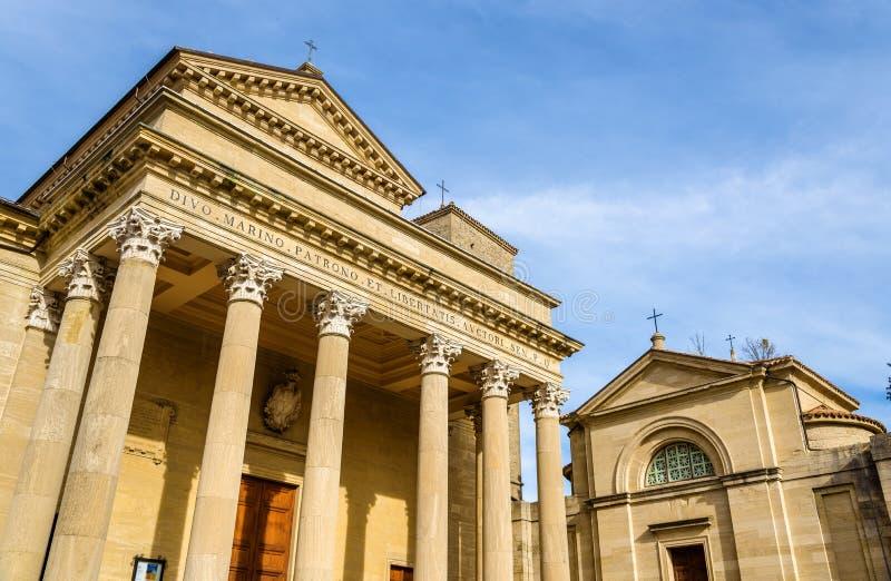 大教堂二圣马力诺和圣皮特圣徒・彼得教会 库存照片