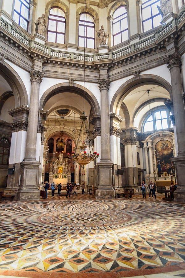 大教堂二安康圣母圣殿健康圣玛丽内部或大教堂在威尼斯 E 免版税库存照片
