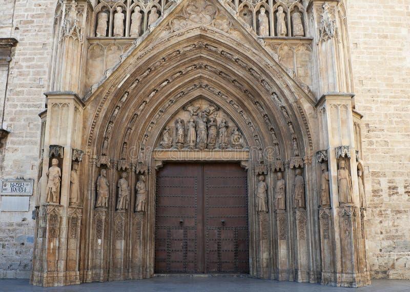 大教堂入口后方向巴伦西亚 免版税库存图片
