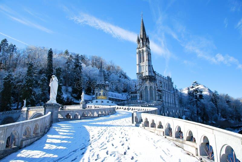 大教堂卢尔德念珠冬天 免版税库存照片