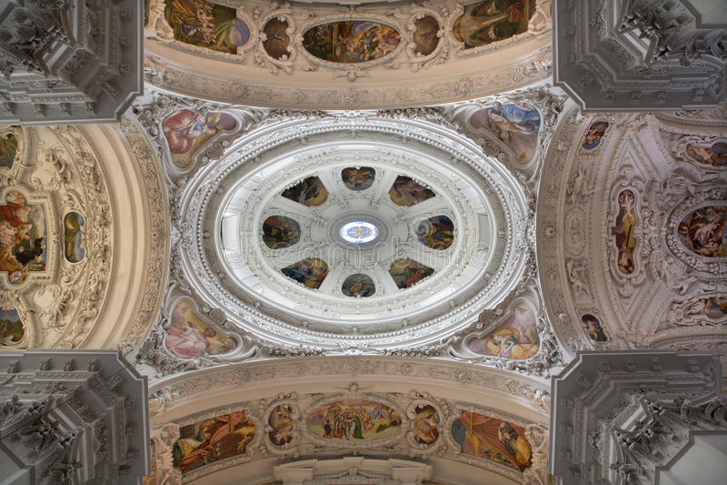 大教堂圆屋顶mariazell 库存图片