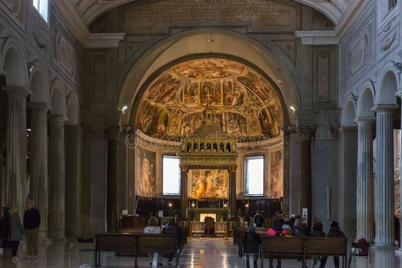 大教堂圣彼得罗的内部在C的Vincoli圣伯多禄 免版税库存照片
