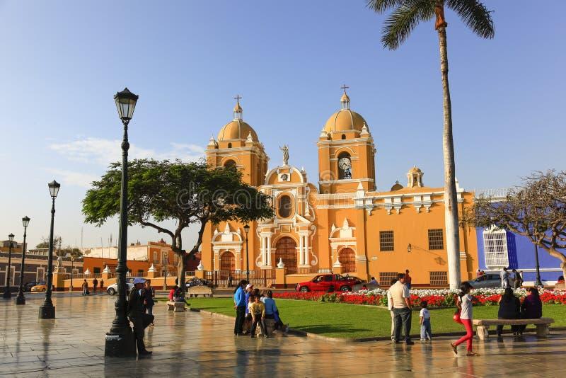 大教堂在广场de阿玛斯在特鲁希略角 库存图片