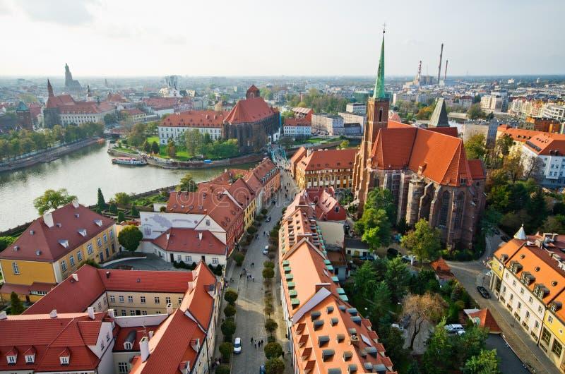 从大教堂塔,弗罗茨瓦夫,波兰的Ostrow Tumski 免版税库存图片