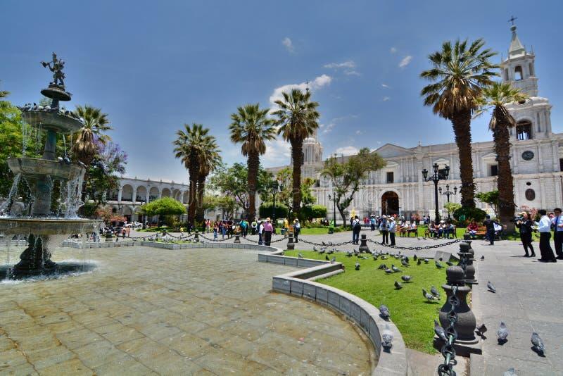大教堂大教堂 armas de plaza _ 秘鲁 免版税图库摄影