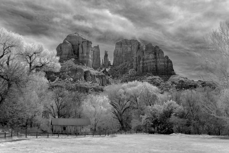 大教堂岩石红外线 库存图片
