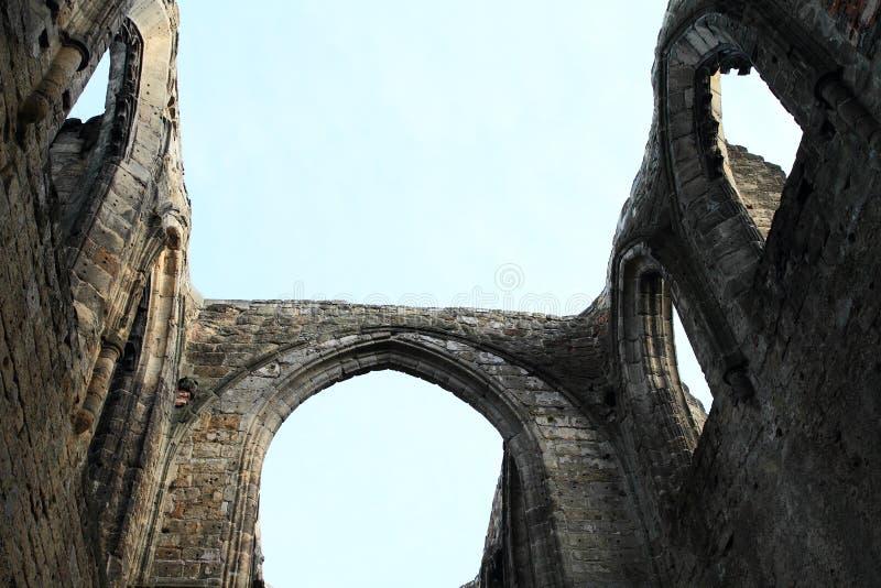 大教堂废墟奥伊宾城堡和修道院的 免版税库存照片