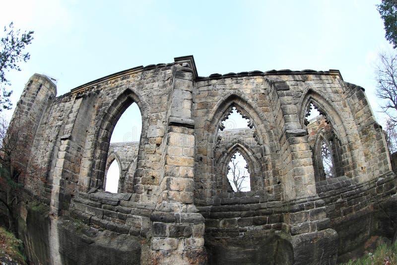 大教堂废墟奥伊宾城堡和修道院的 库存照片